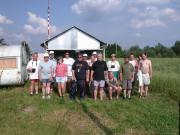 A Hegyháti Csillagvizsgáló Alapítvány 2005-ös nyári táborának résztvevői a Scutum csillagvizsgálónál. 2005.junius.